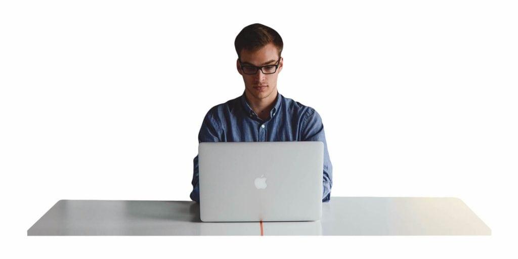 3 Kesilapan Pengguna Laptop. Anda Mungkin Pernah Buat.